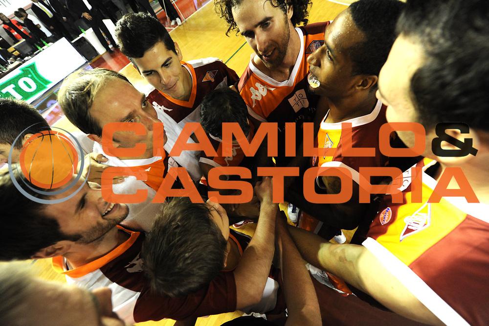 DESCRIZIONE : Roma Lega A 2011-12 Virtus Roma Angelico Biella<br /> GIOCATORE : team<br /> CATEGORIA : esultanza<br /> SQUADRA : Virtus Roma<br /> EVENTO : Campionato Lega A 2011-2012<br /> GARA : Virtus Roma Angelico Biella<br /> DATA : 16/10/2011<br /> SPORT : Pallacanestro<br /> AUTORE : Agenzia Ciamillo-Castoria/GiulioCiamillo<br /> Galleria : Lega Basket A 2011-2012<br /> Fotonotizia : Roma Lega A 2011-12 Virtus Roma Angelico Biella<br /> Predefinita :