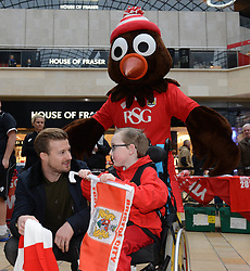 Bristol City's Wade Elliott speaks with Oskar  - Photo mandatory by-line: Dougie Allward/JMP - Mobile: 07966 386802 - 11/03/2015 - SPORT - Football - Bristol - Cabot Circus Shopping Centre - Johnstone's Paint Trophy
