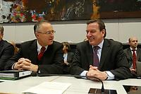 17 DEC 2002, BERLIN/GERMANY:<br /> Hans Eichel (L), SPD, Bundesfinanzminister, und Gerhard Schroeder (R), SPD, Bundeskanzler, im Gespraech, vor Beginn der Sitzung der SPD Bundestagsfraktion, Deutscher Bundestag<br /> IMAGE: 20021217-01-022<br /> KEYWORDS: Fraktionssitzung, Gerhard Schröder,  Gespäch, freundlich, lachen, lacht