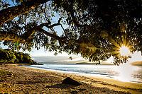 Praia da Barra do Sambaqui. Florianópolis, Santa Catarina, Brasil. / Barra do Sambaqui Beach. Florianopolis, Santa Catarina, Brazil.