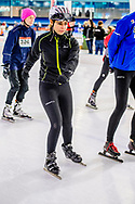 HEERENVEEN - Olcay Gulsen op het ijs van Thialf Heerenveen tijdens De Hollandse 100. Het doel van dit sportieve evenement is het ophalen van geld voor onderzoek naar lymfklierkanker. ANP ROYAL IMAGES ROBIN UTRECHT