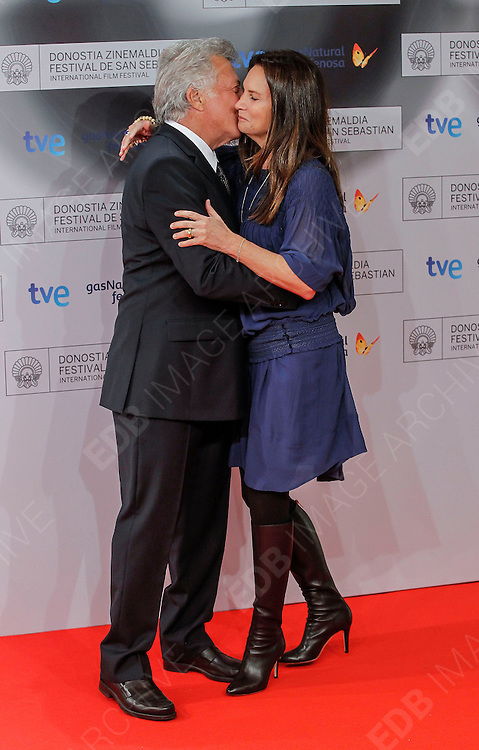 29.SEPTEMBER.2012. SAN SEBASTIAN<br /> <br /> DUSTIN HOFFMAN AND WIFE LISA GOTTSEGEN ARRIVE AT THE DONOSTI SPECIAL AWARD AT THE CLOSING GALA OF THE SAN SEBASTIAN FILM FESTIVAL HELD AT EL KURSAAL.<br /> <br /> BYLINE: EDBIMAGEARCHIVE.CO.UK<br /> <br /> *THIS IMAGE IS STRICTLY FOR UK NEWSPAPERS AND MAGAZINES ONLY*<br /> *FOR WORLD WIDE SALES AND WEB USE PLEASE CONTACT EDBIMAGEARCHIVE - 0208 954 5968*