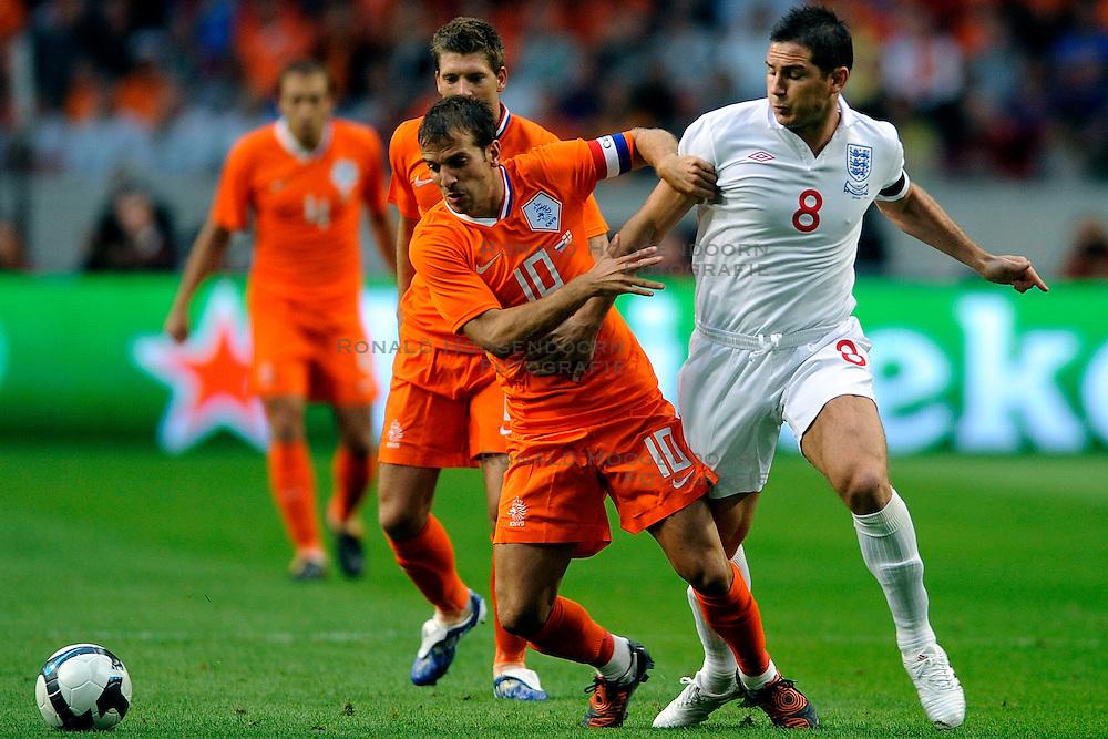 12-08-2009 VOETBAL: NEDERLAND - ENGELAND: AMSTERDAM<br /> Nederland speelt met 2-2 gelijk tegen Engeland / Rafael van der Vaart<br /> &copy;2009-WWW.FOTOHOOGENDOORN.NL