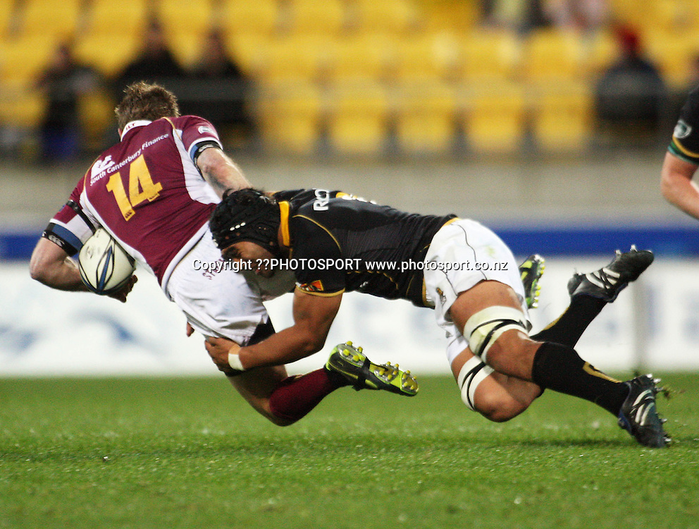 Victor Vito tackles Matt Saunders.<br /> Air NZ Cup semi-final - Wellington Lions v Southland Stags at Westpac Stadium, Wellington, New Zealand, Saturday, 31 October 2009. Photo: Dave Lintott/PHOTOSPORT