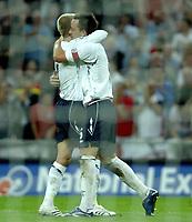 Photo: Richard Lane.<br />England v Brazil. International Friendly. 01/06/2007. <br />England's David Beckham celebrates with goal scorer, John Terry (rt).