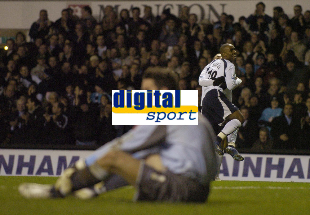 Photo: Olly Greenwood.<br />Tottenham Hotspur v Cardiff City. The FA Cup. 17/01/2007. Tottenham's Jermaine Defoe celebrates scoring while  Cardiff's Neil Alexander looks dejected as Spurs score 4