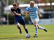 FODBOLD: Mads Aaquist (FC Helsingør) jagtes af Jan Berner (Nykøbing FC) under kampen i NordicBet Ligaen mellem Nykøbing FC og FC Helsingør den 7. maj 2017 i Nykøbing Falster Idrætspark. Foto: Claus Birch