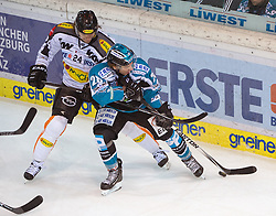 08.01.2016, Keine Sorgen Eisarena, Linz, AUT, EBEL, EHC Liwest Black Wings Linz vs Dornbirner Eishockey Club, 41. Runde, im Bild Marius Göhringer (EHC Liwest Black Wings Linz) und Michael Caruso (Dornbirner Eishockey Club) // during the Erste Bank Icehockey League 41st round match between EHC Liwest Black Wings Linz and Dornbirner Eishockey Club at the Keine Sorgen Icearena, Linz, Austria on 2016/01/08. EXPA Pictures © 2016, PhotoCredit: EXPA/ Reinhard Eisenbauer