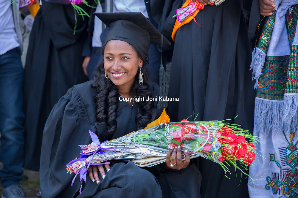 2015 midwife graduate
