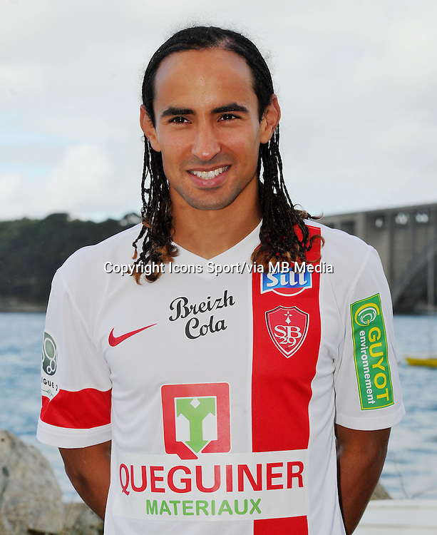 Bruno GROUGI - 18.09.2013 - Photo Officielle - Brest -<br /> Photo : Patrick Tellier / Icon Sport