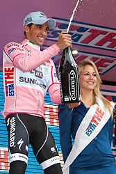 20-05-2011 WIELRENNEN: GIRO D ITALIA: LIENZ<br /> Alberto Contador (ESP) Saxo Bank Sungard<br /> *** NETHERLANDS ONLY***<br /> ©2011-FotoHoogendoorn.nl/EXPA/J. Groder