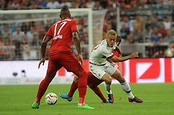 04.08.2015, Allianz Arena, Muenchen, GER, AUDI CUP, FC Bayern Muenchen vs AC Mailand, im Bild vl. Jerome Boateng (FC Bayern Muenchen) und Keisuke Honda (AC Mailand) // during the 2015 AUDI Cup Match between FC Bayern Muenchen and AC Mailand at the Allianz Arena in Muenchen, Germany on 2015/08/04. EXPA Pictures © 2015, PhotoCredit: EXPA/ Eibner-Pressefoto/ Stuetzle<br /> <br /> *****ATTENTION - OUT of GER*****