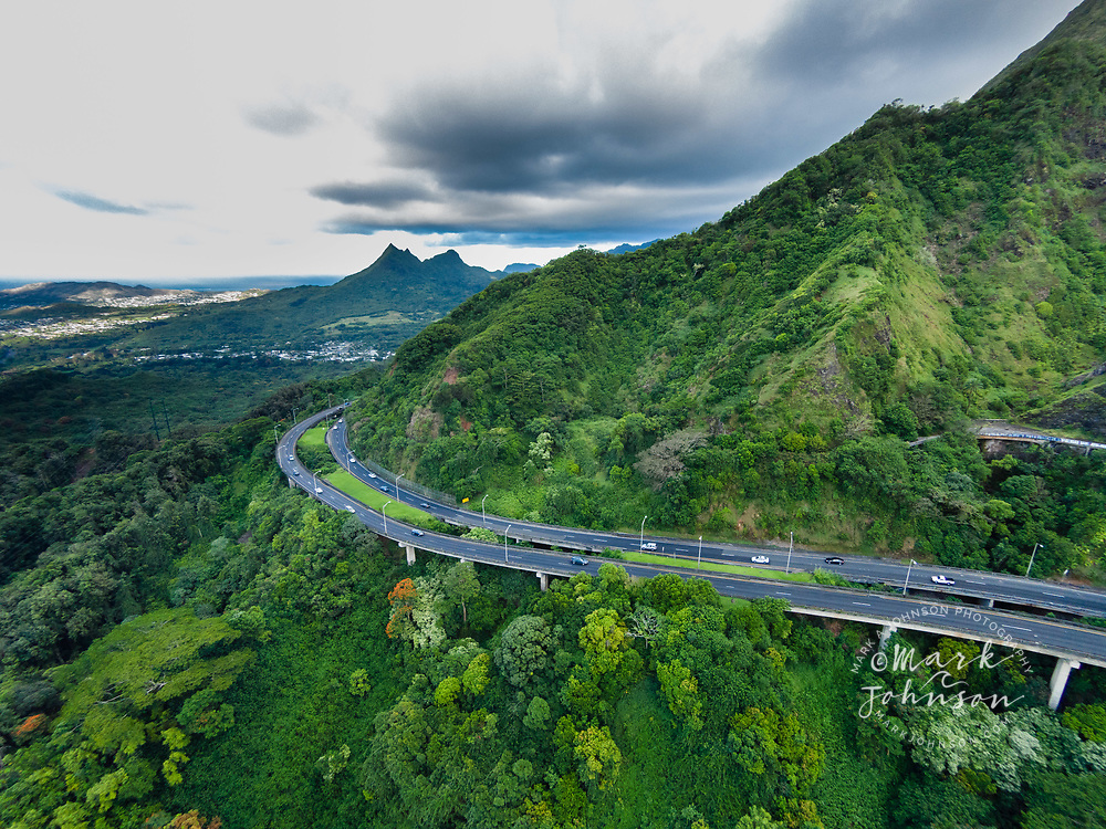 The Pali Highway from Windward Oahu to Honolulu, Oahu, Hawaii, USA