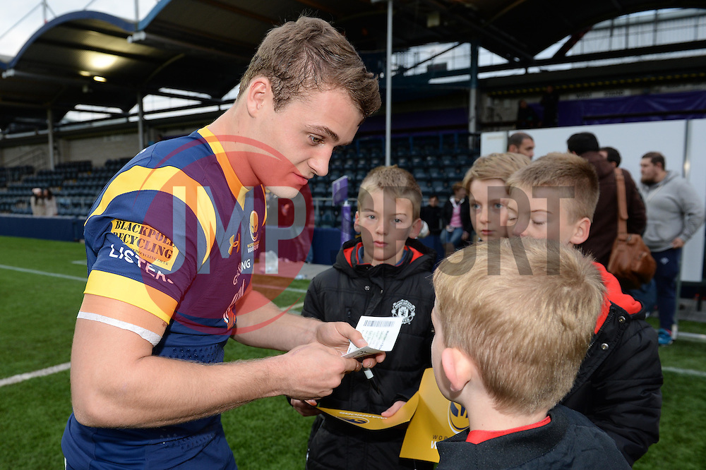Jamie Shillcock of Worcester Warriors signs autographs for fans - Mandatory by-line: Dougie Allward/JMP - 22/10/2016 - RUGBY - Sixways Stadium - Worcester, England - Worcester Warriors v Brive - European Challenge Cup