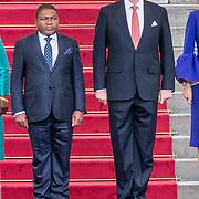 NLD/Den Haag/20170519 - Koning Willem Alexander en Koningin Maxima Ontvangen Presidentspaar Mozambique, Koning Willem-Alexander en president Filipe Nyusi,