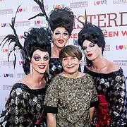 NLD/Amsterdam/20170617 - Amsterdamdiner 2017, Lilianne Ploumen met enkele travestieten
