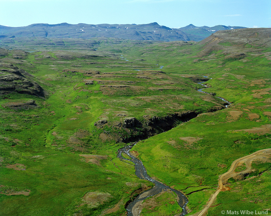 Gljúfurá séð til norðvesturs, Grísatunga fyrir miðju mynd, Borgarbyggð áður Borgarhreppur áður Stafholtstungnahreppur / Gljufura river viewing northwest. Grisatunga remote farm on the right banks of the river in foreground. Borgarbyggd former Borgarhreppur former Stafholtstungnahreppur.