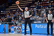 DESCRIZIONE : Beko Final Eight Coppa Italia 2016 Serie A Final8 Quarti di Finale Vanoli Cremona - Dinamo Banco di Sardegna Sassari<br /> GIOCATORE : Luigi LaMonica<br /> CATEGORIA : Arbitro Referee Before Pregame<br /> SQUADRA : AIAP<br /> EVENTO : Beko Final Eight Coppa Italia 2016<br /> GARA : Quarti di Finale Vanoli Cremona - Dinamo Banco di Sardegna Sassari<br /> DATA : 19/02/2016<br /> SPORT : Pallacanestro <br /> AUTORE : Agenzia Ciamillo-Castoria/L.Canu
