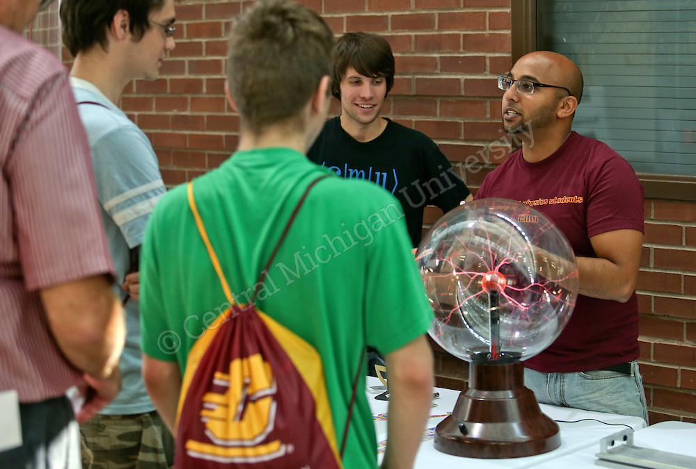 Science, Technology, Engineering and Math Day- High school and transfer students considering majors such as chemistry, physics, biology, meteorology, math, engineering, computer science or geography visited for today's Science, Technology, Engineering and Math Day. CST  Photo by Steve Jessmore/Central Michigan University