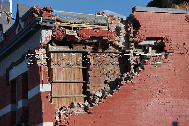 Earthquake damage (2.20 pm, 6.3 magnitude, 13 June 2011), finally this last big quake has destroyed the historic Sumner Museum and Community Centre, more than 9 month after the initial 7.1 earthquake in September last year, after thousands of aftershakes and the devastating 6.3 earthquake in February