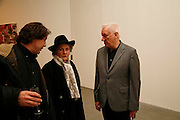 CHRIS NASH, MAGGI HAMBLING AND MICHAEL CRAIG-MARTIN, New work by Cecily Brown. Gagosian. Brittania St. London. 31 March 2006. ONE TIME USE ONLY - DO NOT ARCHIVE  © Copyright Photograph by Dafydd Jones 66 Stockwell Park Rd. London SW9 0DA Tel 020 7733 0108 www.dafjones.com