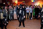 NICKY HASLAM; HELENA BONHAM-CARTER WATCHING MORRIS DANCERS.  Folklore Fete,  English folk dance and song society. 2 Regent Pk Rd. London. 30 APRIL 2009.
