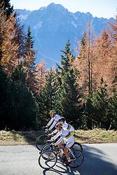 """02.11.2015, Zettelfeld, Thurn, AUT, Dreharbeiten zur ORF-Sendung """"Sport am Sonntag"""", drei Radsport-Weltmeister aus Tirol, im Bild Alban Lakata (UCI Weltmeister Mountainbike Marathon), Felix Gall (UCI Strassenrad Juniorenweltmeister), Daniel Federspiel (UCI Weltmeister Cross Country Eliminator) // during Shooting of ORF broadcast """"Sport am Sonntag"""", three cycling World Champion from Tyrol at Zettersfeld in Lienz, Austria on 2015/11/02. EXPA Pictures © 2015, PhotoCredit: EXPA/ Johann Groder<br /> <br /> ***** ACHTUNG REDAKTEURE - Bei Veröffentlichung vor dem geplanten Sendetermin am 6. November 2015, ist die Nennung """"Dreharbeiten zur ORF-Sendung Sport am Sonntag"""" in der Bildunterschrift/Credit verpflichtend *****"""