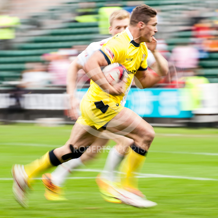 Australia's Ed Jenkins in action against England at the IRB Emirates Airline Glasgow 7s at Scotstoun in Glasgow. 4 May 2014. (c) Paul J Roberts / Sportpix.org.uk