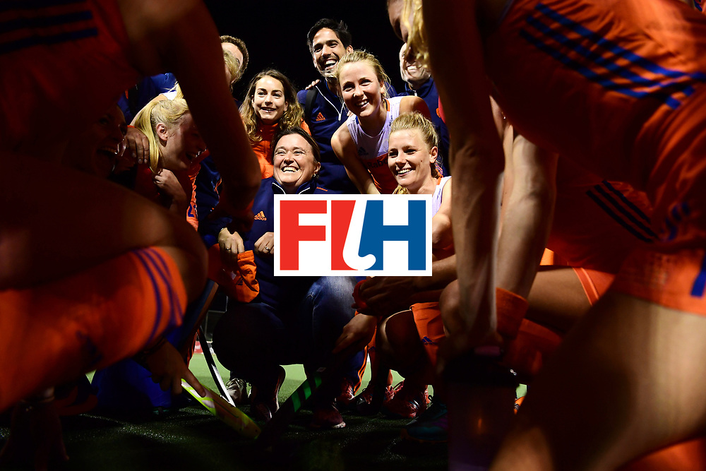 AUCKLAND - Sentinel Hockey World League final women<br /> Match id: 10318<br /> 18 NED v KOR (Semi Final)<br /> Foto: Alyson ANNAN Head Coach na de wedstrijd in de groep, naast haar Caia Van Maasakker  en Eva de Goede achter haart.<br /> WORLDSPORTPICS COPYRIGHT FRANK UIJLENBROEK