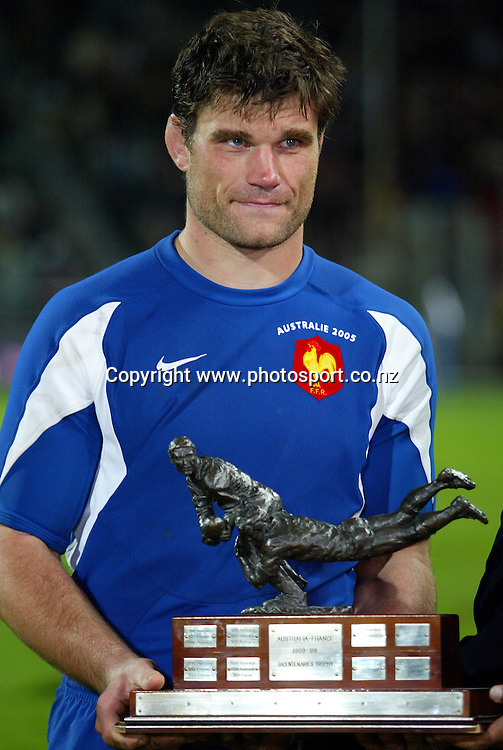 Fabien Pelous with the trophy after the rugby test match between Australia and France, 5 November, 2005, Velodrome stadium in Marseille. France won the match 26-16. Photo: Panoramic/PHOTOSPORT<br />