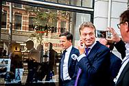 DEN HAAG - Mark  Rutte en Halbe Zijlstra vertrekt bij Johan de Witthuis waar de onderhandelaars van VVD, CDA, D66 en ChristenUnie spreken met informateur Gerrit Zalm.  JULIA BRABANDER