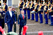 Officieel bezoek Jordanie aan Nederland - Dag 1<br /> <br /> Koning Abdullah II en koningin Rania worden tijdens de welkomstceremonie vergezeld door koning Willem-Alexander en koningin Maxima op Paleis Noordeinde.<br /> <br /> Official visit Jordan to the Netherlands - Day 1<br /> <br /> King Abdullah II and Queen Rania are accompanied during the welcome ceremony by King Willem-Alexander and Queen Maxima at Noordeinde Palace.<br /> <br /> Op de foto / On the photo: Koning Abdullah II en  koning Willem-Alexander  ///   King Abdullah II and  King Willem-Alexander