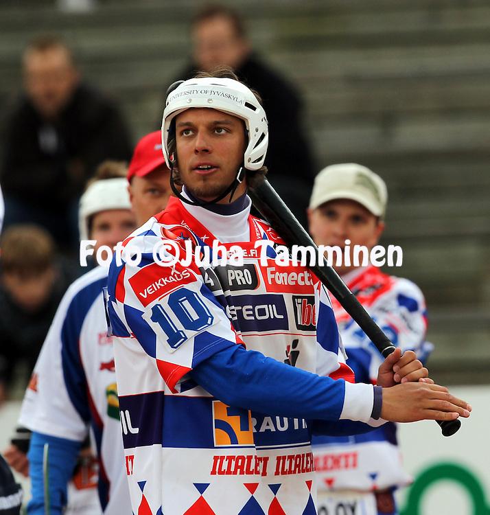 17.5.2011, Pohjanlinnan pesisstadion, Kankaanp??..Superpesis 2011, Kankaanp??n Maila - Jyv?skyl?n Kiri..Mikko Rantalahti - Kiri.