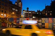 New York. Soho area, Houston street  New York - United states  Manhattan  /  quartier de Soho . Houston street  New York - Etats-unis