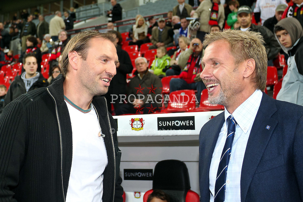 05.11.2011,  BayArena, Leverkusen, GER, 1.FBL, Bayer 04 Leverkusen vs Hamburger SV, im Bild.Jens Novotna (ehemals Leverkusen) und Thorsten Fink (Trainer Hamburg) (R) ..// during the 1.FBL, Bayer Leverkusen vs Hamburger SV on 2011/11/05, BayArena, Leverkusen, Germany. EXPA Pictures © 2011, PhotoCredit: EXPA/ nph/  Mueller       ****** out of GER / CRO  / BEL ******