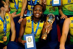 23-08-2009 VOLLEYBAL: WGP FINALS CEREMONY: TOKYO <br /> Brazilie wint de World Grand Prix 2009 / Fabiana Claudino <br /> ©2009-WWW.FOTOHOOGENDOORN.NL