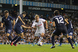 29.08.2013, White Hart Lane, London, ENG, UEFA CL Qualifikation, Tottenham Hotspur vs FC Dinamo Tiflis, Rueckspiel, im Bild Tottenham's Lewis Holtby runs with the ball during the UEFA Europa League Qualifier second leg match between Tottenham Hotspur and FC Dinamo Tiflis Zuerich at the White Hart Lane in London, England on 2013/08/29 . EXPA Pictures © 2013, PhotoCredit: EXPA/ Mitchell Gunn <br /> <br /> ***** ATTENTION - OUT OF GBR *****
