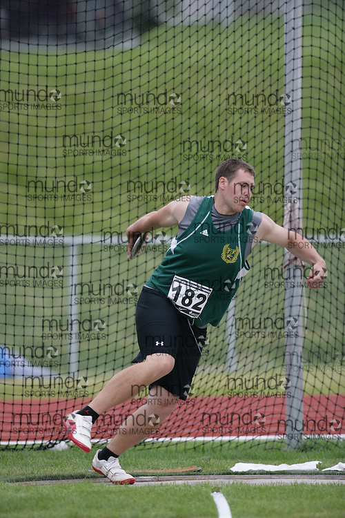 (Charlottetown, Prince Edward Island -- 20090719) Geoffrey Myatt of Celtic Athletics competes in the discus final at the 2009 Canadian Junior Track & Field Championships at UPEI Alumni Canada Games Place on the campus of the University of Prince Edward Island, July 17-19, 2009.  Sean Burges / Mundo Sport Images ..Mundo Sport Images has been contracted by Athletics Canada to provide images to the media.