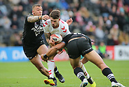 Oliver Gildart  (C) of England  on the attack against New Zealand during the Autumn International Series match at the KCOM Stadium, Hull<br /> Picture by Stephen Gaunt/Focus Images Ltd +447904 833202<br /> 27/10/2018