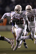 University of Texas running back Jamall Charles (25) rushes up filed against Kansas State at Bill Snyder Family Stadium in Manhattan, Kansas, November 11, 2006.  The Wildcats upset 4th ranked Texas 45-42.<br />