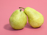 anjou and yellow bartlett pears