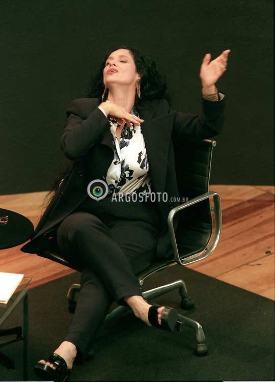 Sao Paulo, SP, Brasil   20/Oct/1997.A atriz Sonia Braga durante a gravacao de programa  Estudio Brasil, no Canal Bravo Brasil. Versao brasileira do Inside the Actor´s Studio./ The actress Sonia Braga during the tv programme Estudio Brasil. Brazilian version of Inside Actor's Studio..Foto Marcos Issa