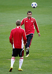 14.09.2010, estadio Santiago Bernabeu, Madrid, ESP, UEFA Champions League, Ajax Amsterdam, Trainning, im Bild Ajax Amsterdam's Miralem Sulejmani during trainning session. EXPA Pictures © 2010, PhotoCredit: EXPA/ Alterphotos/ Alvaro Hernandez +++++ ATTENTION - OUT OF SPAIN / ESP +++++