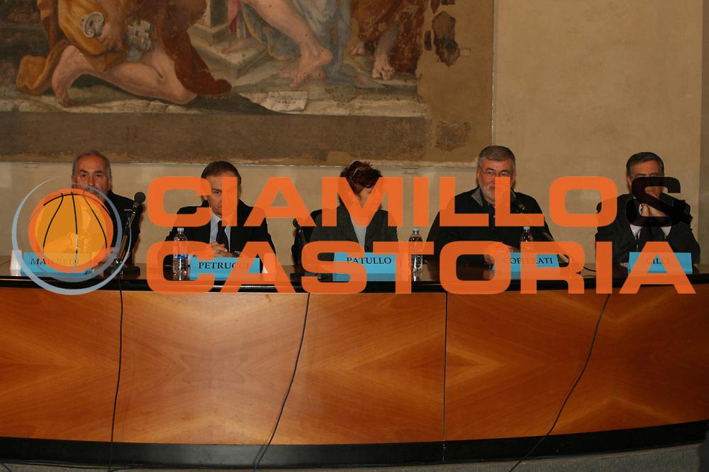 DESCRIZIONE : Bologna Palazzo Accursio Presentazione FIP Hall of Fame<br />GIOCATORE : Maifredi Petrucci Patullo Cofferati Cilli<br />SQUADRA : FIP Federazione Italiana Pallacanestro<br />EVENTO : Bologna Palazzo Accursio Presentazione FIP Hall of Fame<br />GARA : <br />DATA : 11/02/2007<br />CATEGORIA : Ritratto<br />SPORT : Pallacanestro <br />AUTORE : Agenzia Ciamillo-Castoria/G.Ciamillo