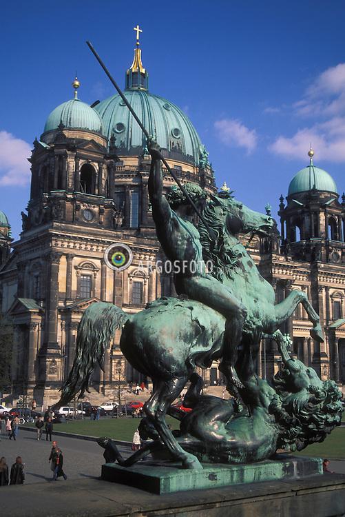 Berlin,Alemanha.abril/2002..Dom, catedral luterana de Berlin na Unten den Linden, estilo renascentista italiano, construida no final do seculo 19..Foto Adri Felden/Argosfoto