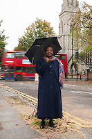Theresa Davies photographed in front of St Lukes church in Hillmarton road, Londres N7.
