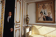 S.A.S. prince Albert of monaco entering in the mirorís room of the palace   le prince Albert de Monaco dans le Palais  P0003943    R12/165