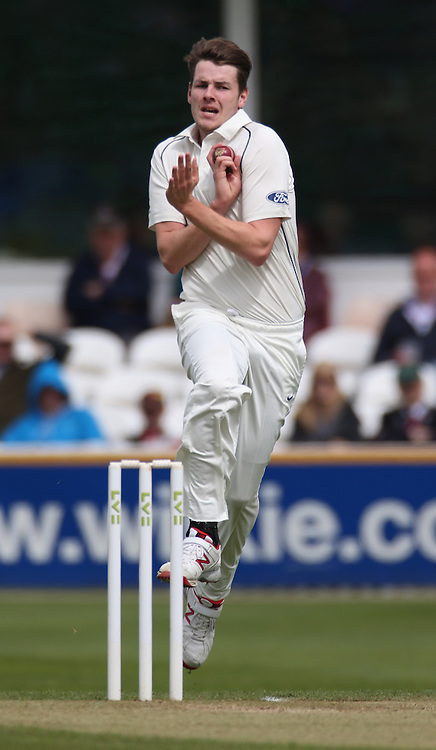 Jacob Duffy bowls during the four day game between Somerset and a New Zealand XI at the County Ground, Taunton. Photo: Graham Morris/www.cricketpix.com (Tel: +44 (0)20 8969 4192; Email: graham@cricketpix.com) 09052015