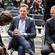 NLD/Amsterdam/20140504 - Dodenherdenking 2014 Olympisch Stadion, Ajax coach Frank de Boer en broer Ronald de Boer