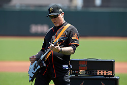 SAN FRANCISCO, CA - MAY 02:  Recording artist James Hetfield of the rock band Metallica performs the National Anthem before the game between the San Francisco Giants and the Los Angeles Angels of Anaheim at AT&T Park on May 2, 2015 in San Francisco, California.  The San Francisco Giants defeated the Los Angeles Angels of Anaheim 5-4. (Photo by Jason O. Watson/Getty Images) *** Local Caption *** James Hetfield